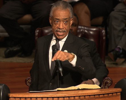 picture of al sharpton speaking at michael brown jr. funeral