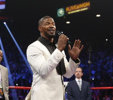 Jamie Foxx singing at mayweather-Paquiao fight in Las Vegas